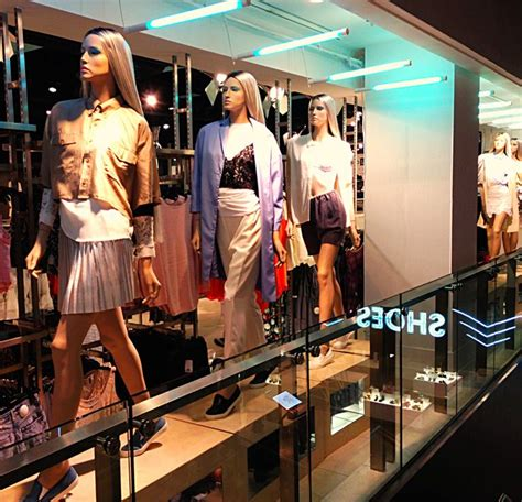 Visual Merchandising Projects Mba by Top 25 Ideas About Formal Wear Display On