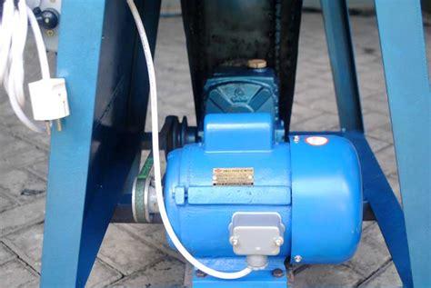 Mesin Pres Motor mesin untuk membuat sandal hotel barutino sandal