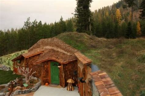 pictures of hobbit houses hobbit house 8 pics