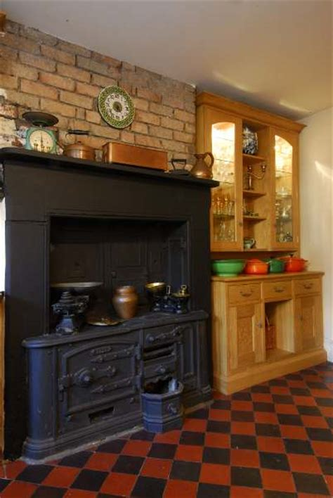 Handmade Kitchens Bristol - bespoke framed oak kitchen by bristol furniture