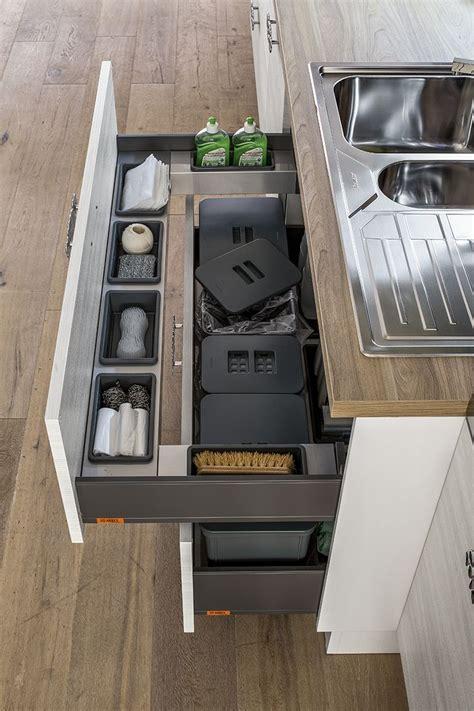 cassetti per cucina 1000 idee su cassetti della cucina su idee