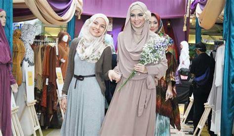 Busana Muslim: Lembutnya Nuansa Bunga dalam Koleksi Busana