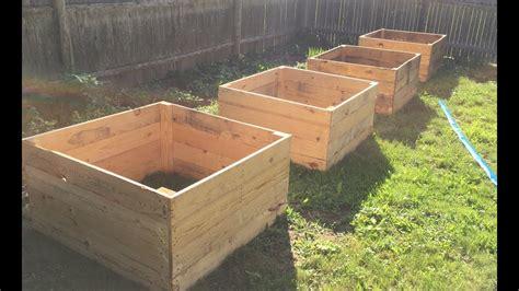 raised garden bed  pallet wood diy
