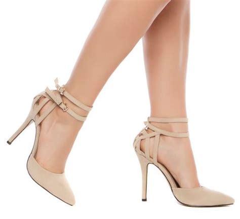 zapato color nude el zapato beige elegante y f 225 cil de combinar belleza
