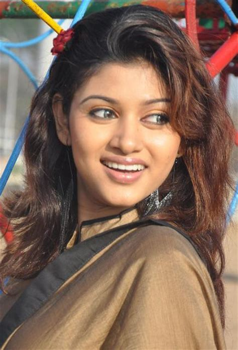 Oviya Bra Size Age Weight Height Measurements Celebrity Sizes