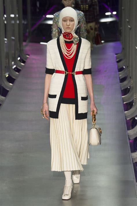 Fashion Gucci 3 Ruang gucci fall 2017 ready to wear collection photos vogue