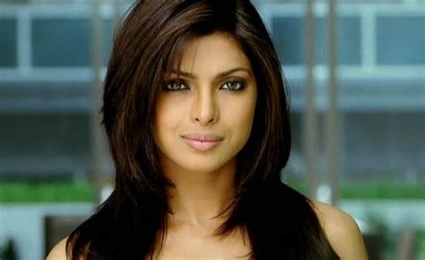 How to look like Priyanka Chopra in Dostana   OneHowto