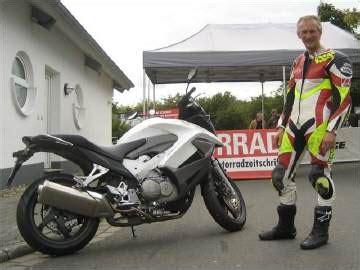 Motorrad Fahren Zusammen Schreiben by Markenspez Seiten Motorr 228 Der