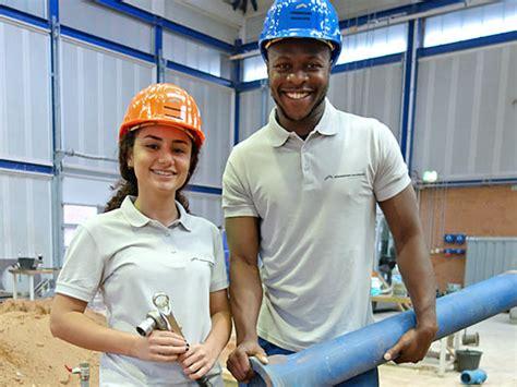 Anschreiben Rohrleitungsbauer Ausbildung Sch 252 Ler In Der N 252 Rnberger Baugruppe