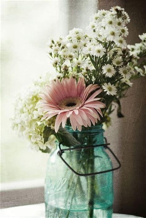 simple floral arrangements such a lovely and simple flower arrangement sugar