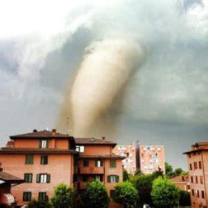 assicurazione casa eventi atmosferici guida all assicurazione casa eventi atmosferici assicuratu