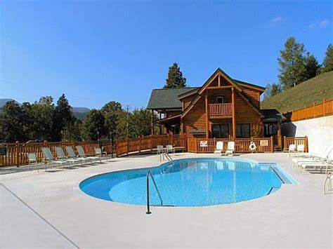 Pigeon Forge Cabin Rentals With Pool by Pigeon Forge Cabin Big Black Lodge 4 Bedroom