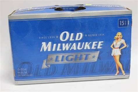 old milwaukee light beer case of 15 old milwaukee light beer cans