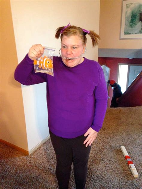 movie themed halloween costumes look at 14 of our favorite movie themed halloween 2014