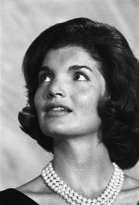 kennedy hairstyle jackie kennedy in the sixties classic photos of an