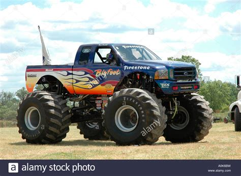 monster truck show ontario bigfoot monster truck 2 inwood ontario canada stock photo