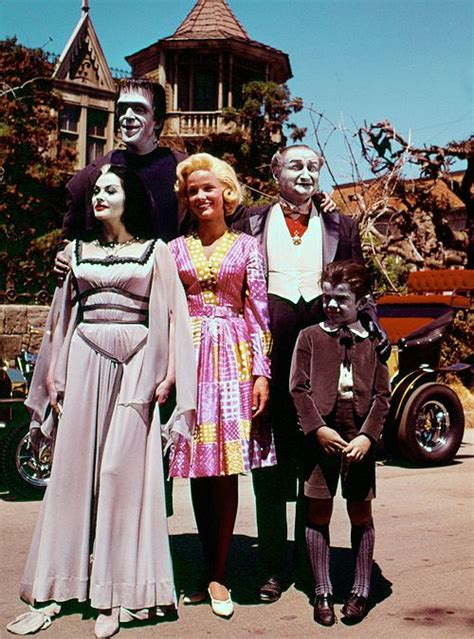 munsters in color the munsters in a color photo yvonne de carlo fred