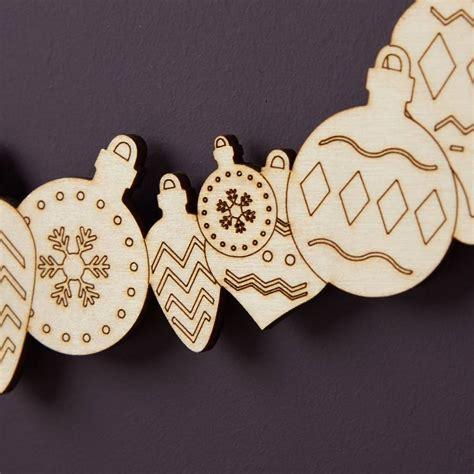 personalised wooden christmas wreath  owl otter notonthehighstreetcom