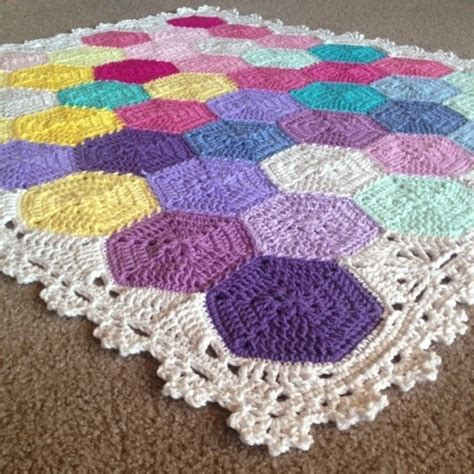 hexagon crochet rug pattern 1000 images about afghans hexagons one color crochet motifs on hexagon pattern