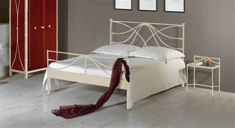 kopfteil bett weiß schlafzimmer farben apricot