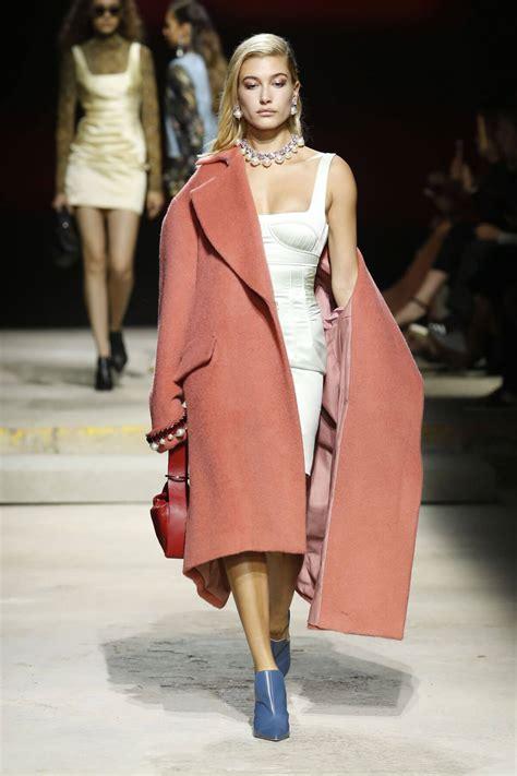 hailey baldwin at topshop fashion show at london fashion