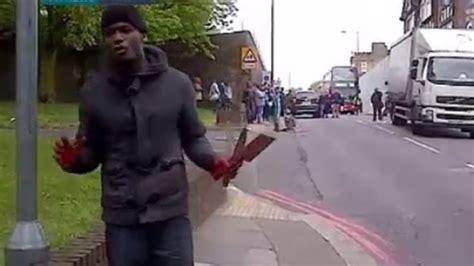 le cortan la cabeza dos terroristas le cortan la cabeza a un soldado