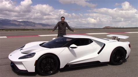 the new ford gt here s why the 2017 ford gt is worth 500 000