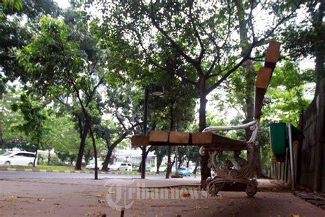 Kursi Taman Yogyakarta kaki kursi taman jederal sudirman rusak foto 3 1124482 tribunnews