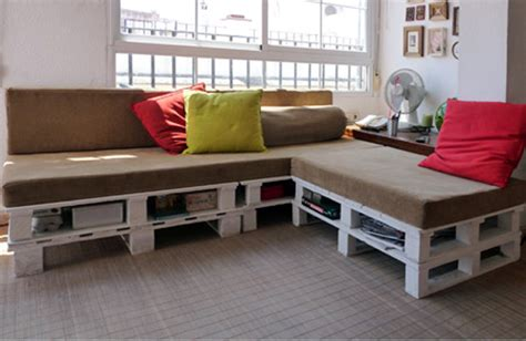 shipping couch crazy affordable diy shipping pallet couch design