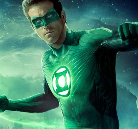 justice league film ryan reynolds arrow to bring in green lantern not so fast