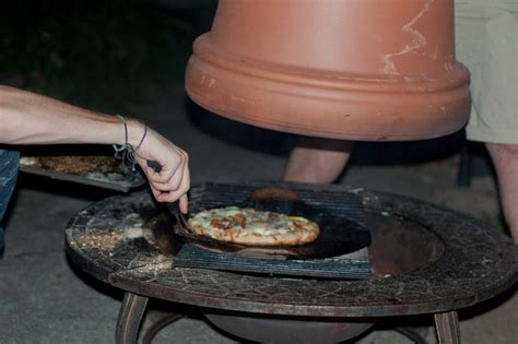 Here S How To Create An Amazing Homemade Pizza Oven Firepit Pizza