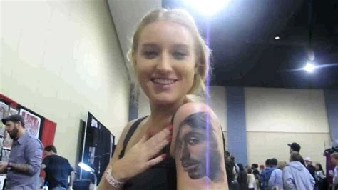 tupac tattoos getting tupac shakur d on arm sydney s hip