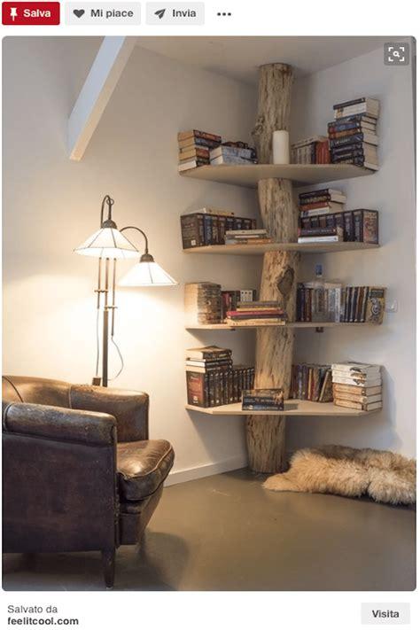 libreria ad angolo libreria fai da te il riciclo in legno