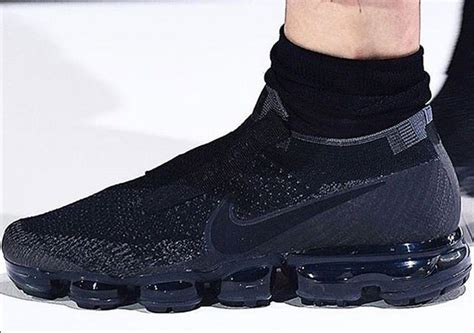 Cdg X Nike Vapormax Flyknit All Blacl comme des garcons nike vapormax sneakernews