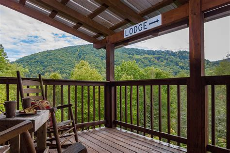 7 bedroom cabins in pigeon forge 5 7 bedroom cabins in gatlinburg pigeon forge tn