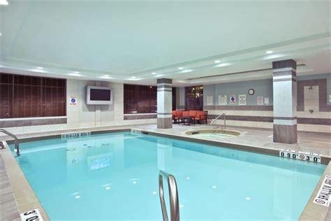 bureau de change kingston inn express hotel suites kingston comparez les
