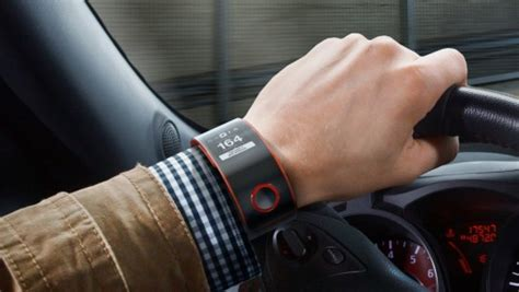 Nismo Smartwatch nissan s nismo smartwatch delivers real time data on a driver s performance