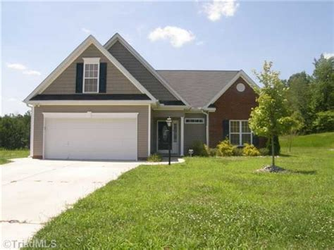 Planters Bank Foreclosed Properties by 1929 Planters Walk Dr Thomasville Carolina 27360