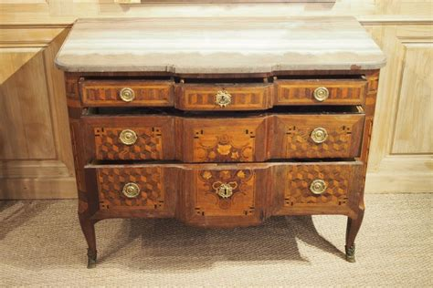 Grande Commode by Grande Commode D 233 Poque Transition Louis Xv Louis Xvi