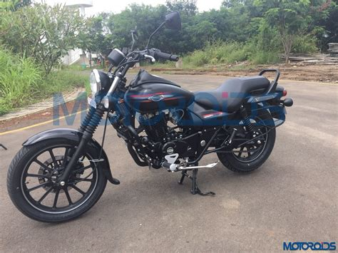 bajaj avenger 220cc bike spied again upcoming bajaj avenger 220 and 220