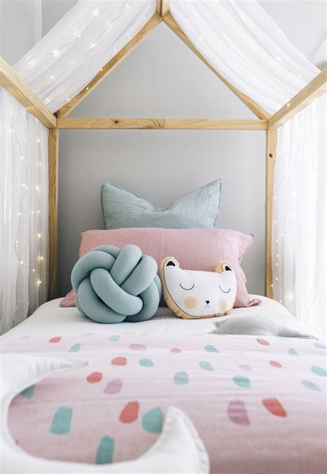 Unicorn Room Decor 25 Unique Unicorn Bedroom Ideas On Unicorn Bedroom Decor Unicorn Decor And Unicorn