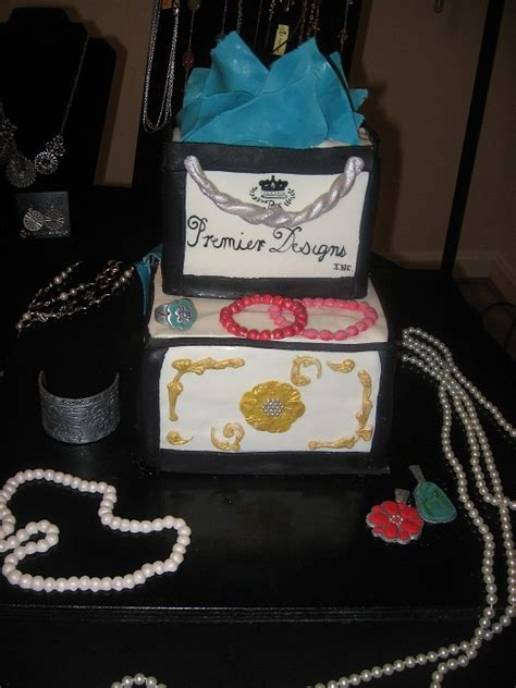 how to make edible jewelry for cakes jewelry cake made with all edible jewelry cakes i want