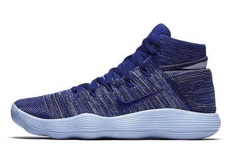 Sepatu Basket Nike Hyperdunk 2017 High Flyknit Black nike hyperdunk 2017 flyknit royal sneakernews
