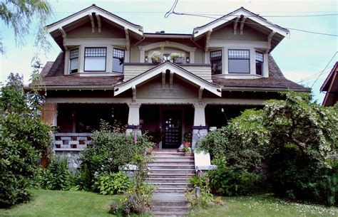 Craft Style Homes | this one looks a little haunted craftsman style homes