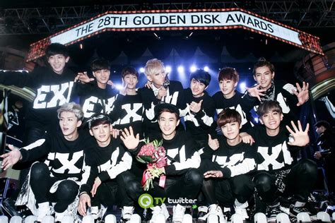 exo awards exo winner at the 2013 28th golden disk awards