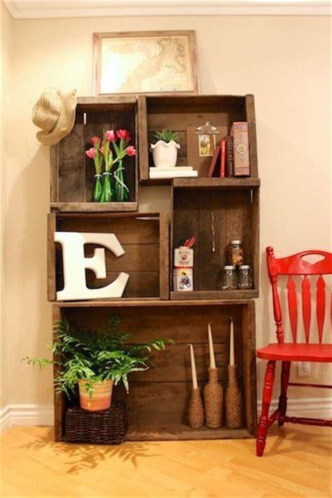 libreria con cassette di legno des cagettes en bois 20 id 233 es pour r 233 ussir meuble