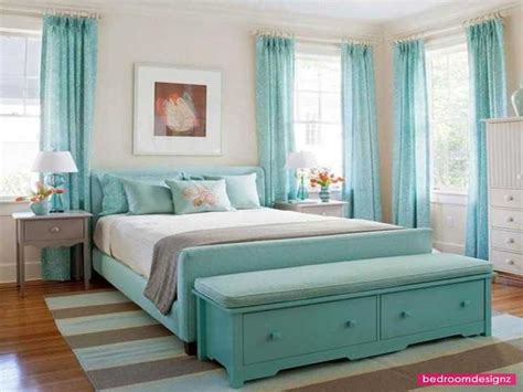 white walls  teal accents bedroom decor ideas