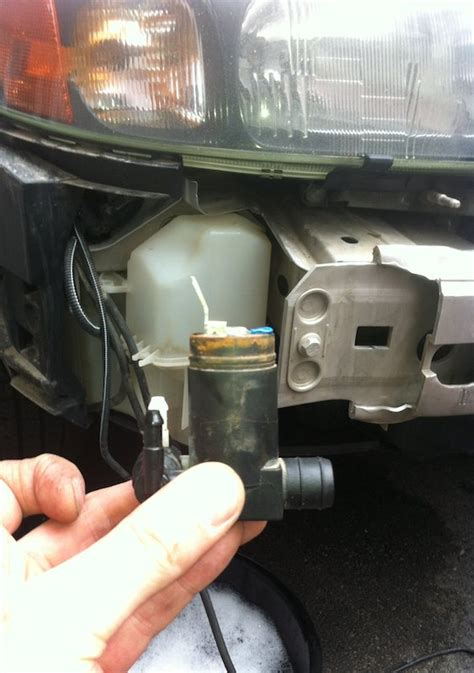xc   windshield washer pump fix  pics matthews volvo site