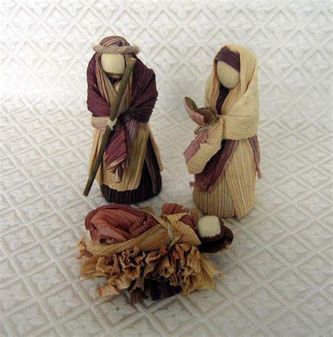 corn husk doll nativity set world nativity corn husk holy family from colombia