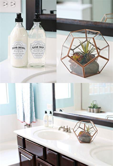 aqua and coral bathroom diy coral and aqua bathroom makeover see vanessa craft
